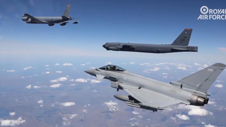 НАТО съжалява за решението на Русия да се оттегли от Договора за открито небе
