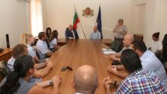 Спортистите, които ще представят България на Дефлимпикс, благодариха на министър Кралев