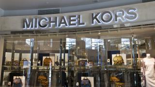 Michael Kors готви още милиардни сделки