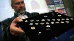 """Иманярите """"оставили"""" на учените 18 монети от съкровището на Шишман"""
