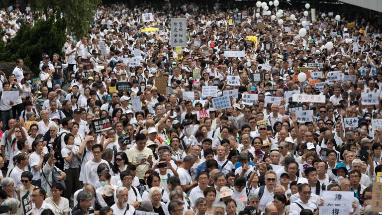 За първи път от 10 години: Хонконг официално изпадна в рецесия
