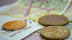 Средната заплата достигна 882 лв. през март