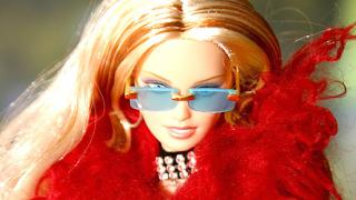 Как мъжете оглупяват в компанията на блондинки