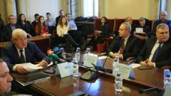 Ректорът на СУ настоява Ананиев да не бърза с детската болница