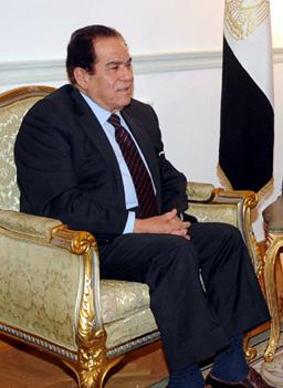"""Премиерът на Египет """"сглоби"""" новия кабинет"""