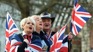 Великобритания може да напусне ЕС на 22 май, ако подкрепи митнически съюз