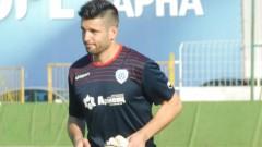 Вратарят на Черно море виси и за мача със Славия