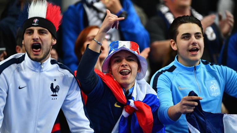 Арно Калимуендо-Миунга се отличи с хеттрик за Франция за победата