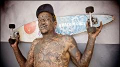 Най-татуираният мъж в света си търси съквартирант