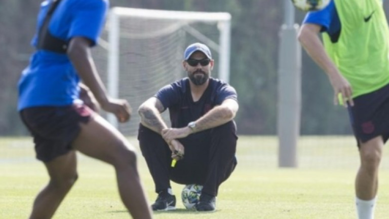 Треньорът на юношеския отбор на Барселона Виктор Валдес най-вероятно ще