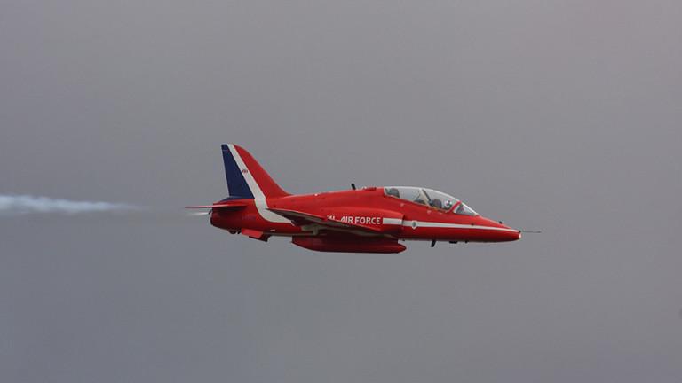 Британски изтребител от групата самолети за фигурно летене Red Arrows