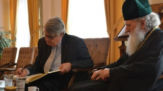 Патриарх Неофит прие гръцкия посланик преди отпътуването му за родината