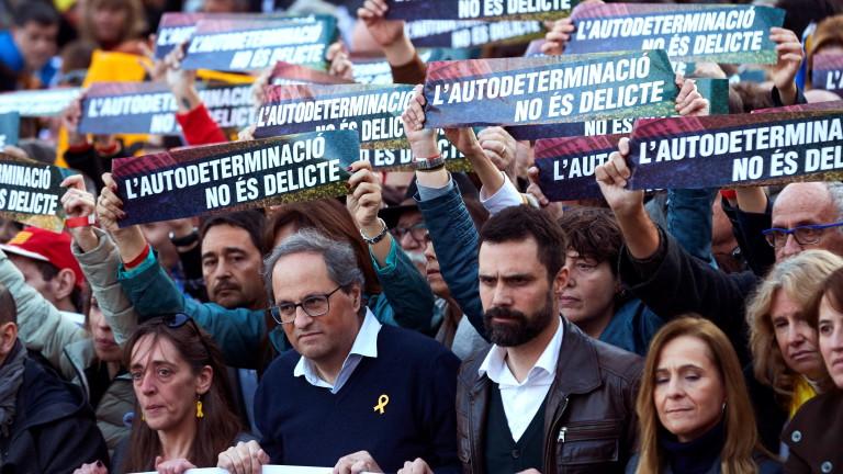 200 000 на протест в защита на каталунските лидери