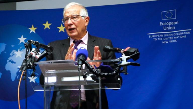 Европа подкрепя Франция в спора за подводниците
