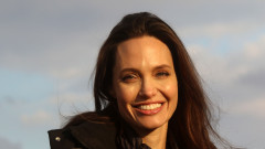 Анджелина Джоли с децата в Париж