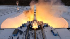 """Русия успешно изстреля ракета с 11 сателита от космодрума """"Восточни"""""""