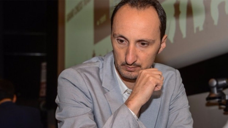 Гросмайстор Веселин Топалов загуби с белите фигури от французина Максим