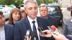 Тази объркана власт няма как да продължи, убеждава Карадайъ на митинг в Борино