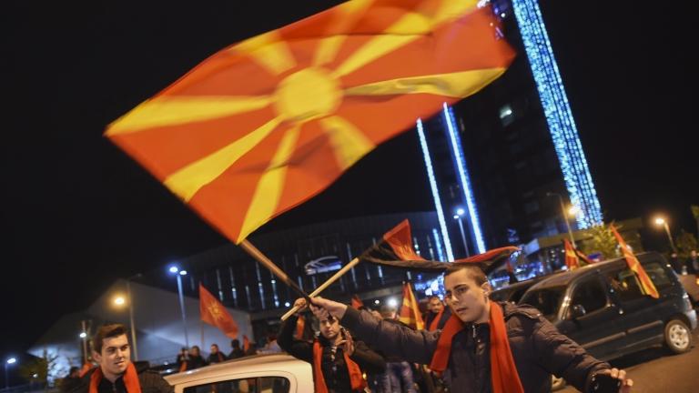 Но защо да я делим тази пуста Македония, пита Божидар Димитров