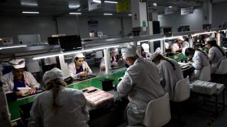 Детският труд зад джаджите на Amazon