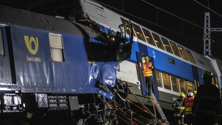 Пътнически и товарен влак се сблъскаха близо до чешката столица