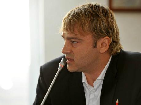 "Градев продължава да ""громи"" Лупи"