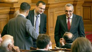 Сините поискаха оставката на социалния министър