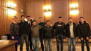 Кирил Добрев притеснен от кадровия вакуум в БСП
