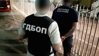 """Задържаните митничари на ГКПП """"Кулата"""" имали """"VIP клиенти"""" на абонамент"""
