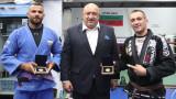 Министър Кралев награди медалистите по бразилско джу-джицу