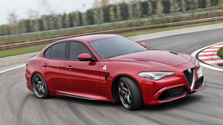 Alfa Romeo готви съперник на BMW 5 серия и Mercedes E-клас
