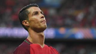 Роналдо рони сълзи на финала на Евро 2016 (ВИДЕО)