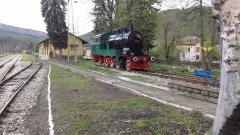Десетки жп гари и спирки са пролетно ремонтирани и освежени