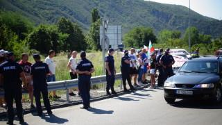 """Протестиращите на АМ """"Марица"""" провокирали и заплашвали полицаите"""
