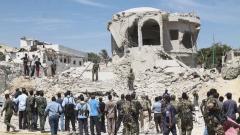 """""""Ал Шабаб"""" изби най-малко 12 души при двоен атентат в Сомалия"""