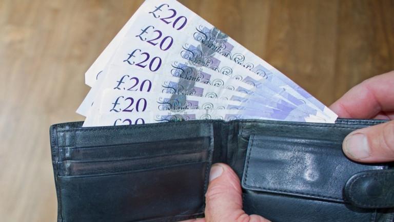 """Брекзит вече струва на британските домакинства """"много пари"""""""