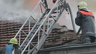 Изгоря хотел в Пловдивско