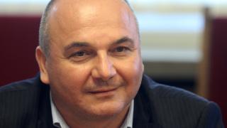 Любомир Дацов: Трябва да се направи избор дали да се режат разходи или да се вдигат данъци