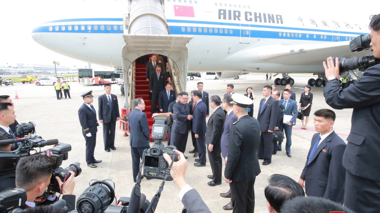 Ким Чен-ун летял до Сингапур със самолета на китайския премиер Ли Къцян