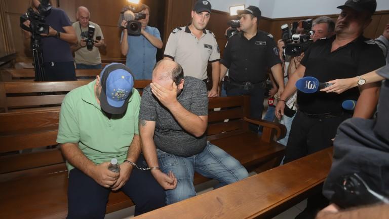 Обвинените за убийството в Негован остават за постоянно в ареста