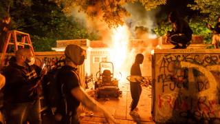 Полицейски час във Вашингтон и още 40 града заради размириците