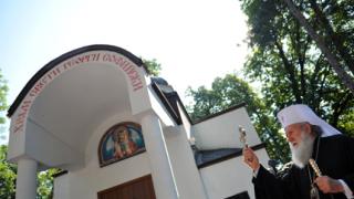 Ситуацията е тревожна, молим се на Бог да бъде милостив, призна патриарх Неофит