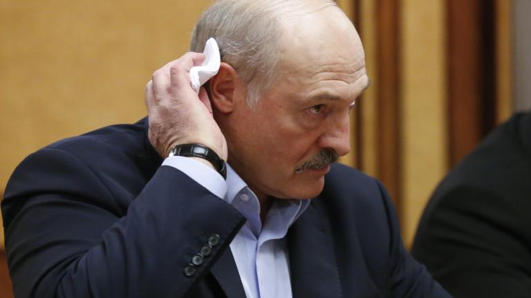 Лукашенко: Жив съм, не съм избягал от Беларус