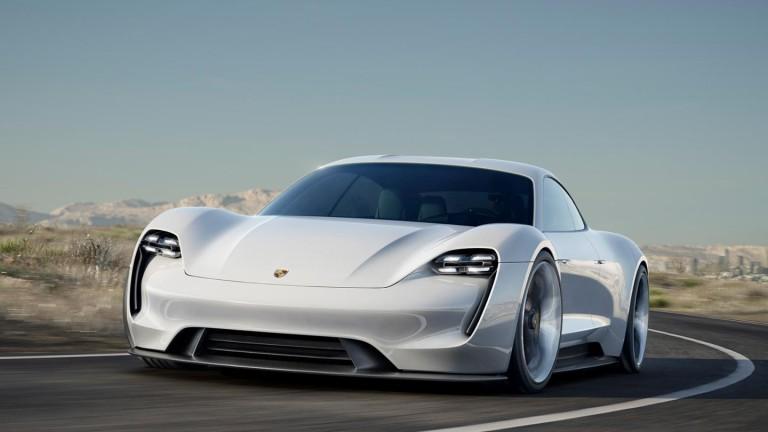 Porsche навлиза в ерата на електромобилите с Taycan -- спортен