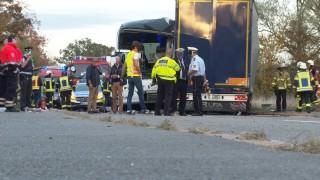 Тежко ранени след катастрофа между автобус и ТИР в Германия