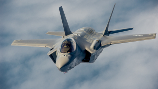 Италиясе колебаеза супер изтребителите F-35. Ще се откаже ли от тях?