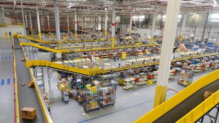 Канадското правителство подписа споразумение с Amazon Canada, за да гарантира