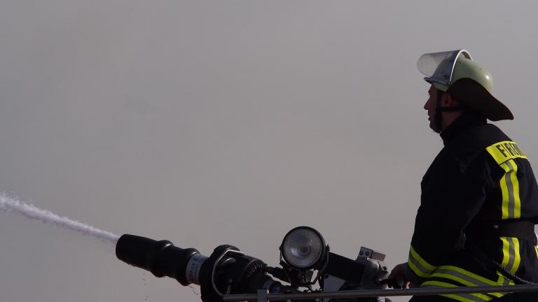 Овладяха пожара на сметището в Шишманци