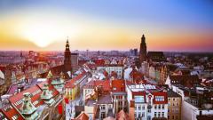 Защо Полша се справя по-добре в кризата от останалите в Източна Европа?