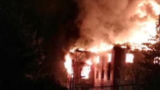 Пламна хранилище на химическия завод в Девня